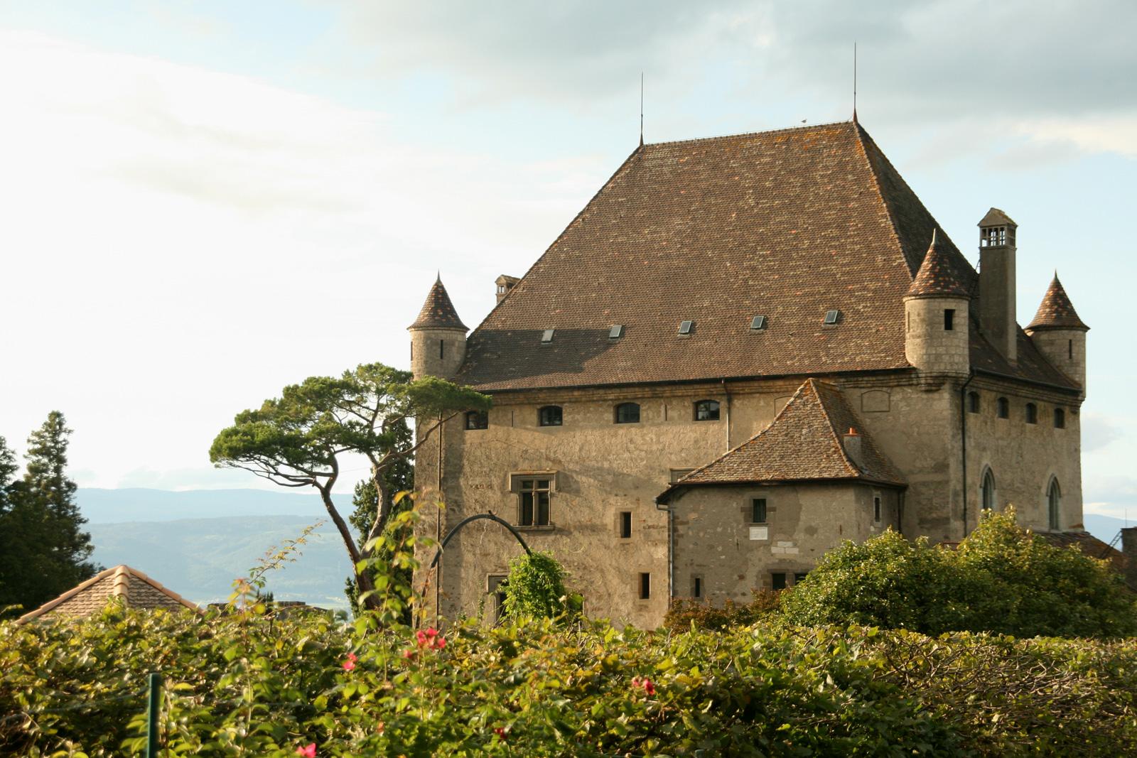 Château d'Yvoire et le Jardin des Cinq Sens.