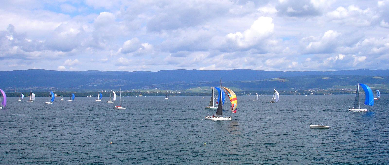 Voiliers du Bol d'Or Mirabaud à Yvoire sur le lac Léman.