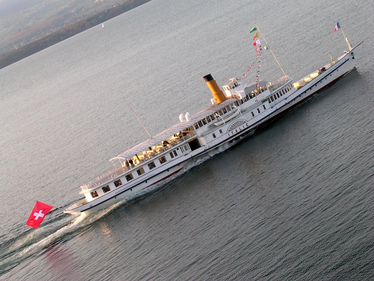 L'Italie, bateau à aubes de la CGN