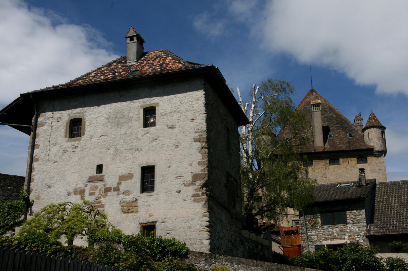 Tout de garde du village médiéval et château d'Yvoire.